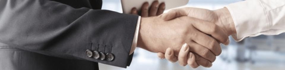 Un millionnaire rencontre son banquier, que doit-il faire ?